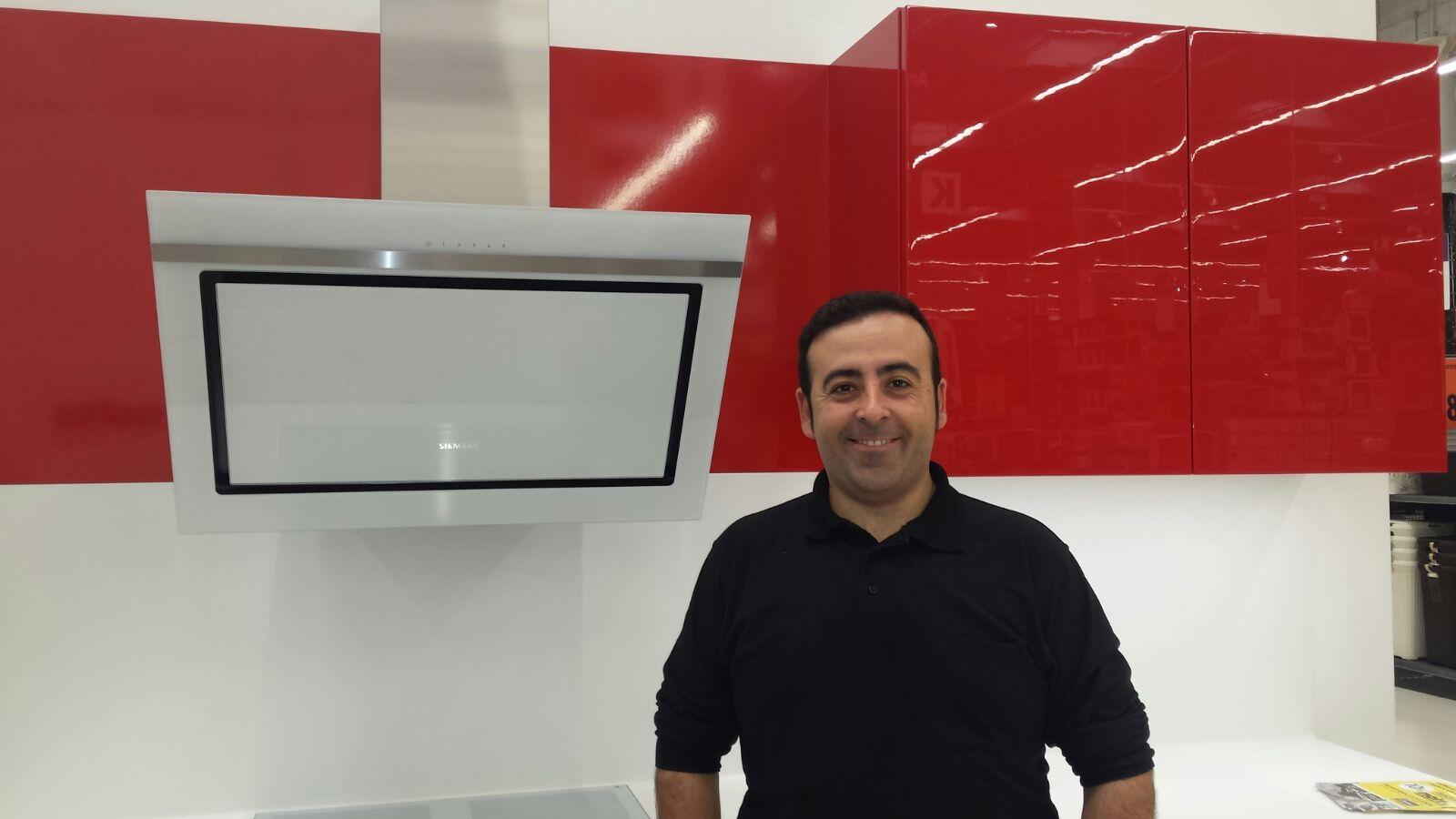 José Manuel, especialista en cocinas Nolte
