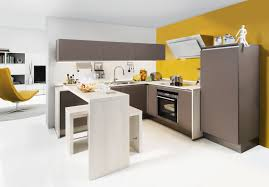 cocina actual blanca amarilla Nolte